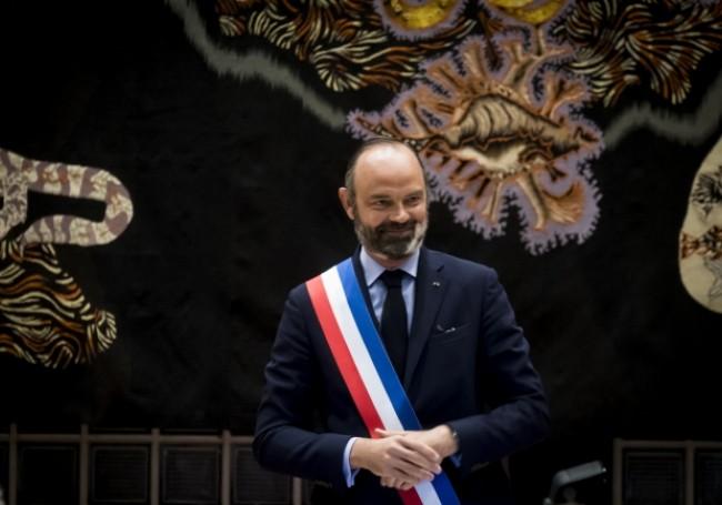 """Actu-politique : """" Paris avec Edouard """" ce soutien surprise et mystérieux à l'ex-Premier ministre"""