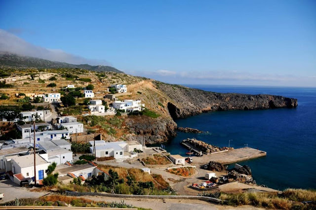 Greece offers free house, land and $ 565 per month to settle on an island