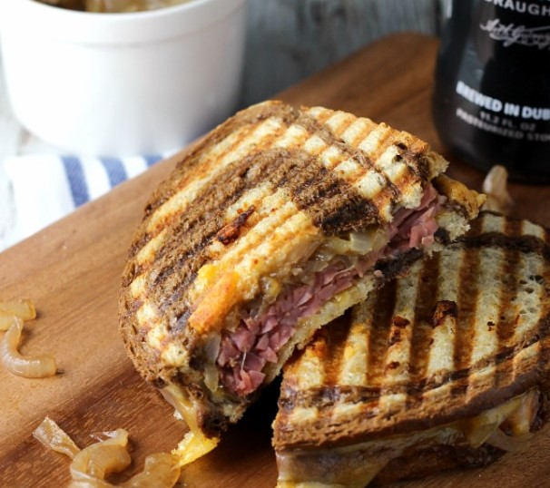 Corned Beef with Caramelized Onions