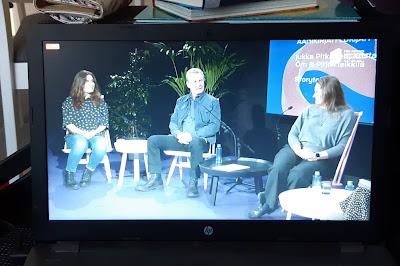 Äänikirjojen lukijat Pirjo Heikkilä, Jukka Pitkänen ja Krista Putkonen-Örn