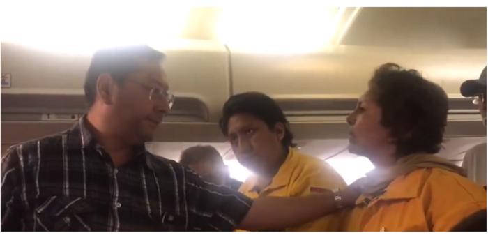 Ministro Arce se muestra condescendiente ante el reclamo de la bombero Kely Tejeda / RRSS