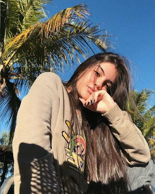 chica tumblr selfie