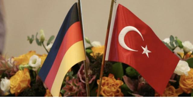 """""""Συμβιβαστείτε με την Τουρκία"""" μας λένε οι Γερμανοί"""