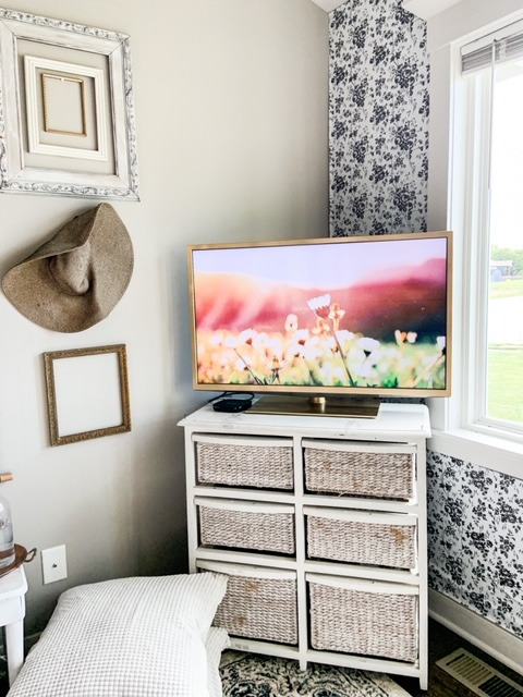 gold spray paint to create frame tv look