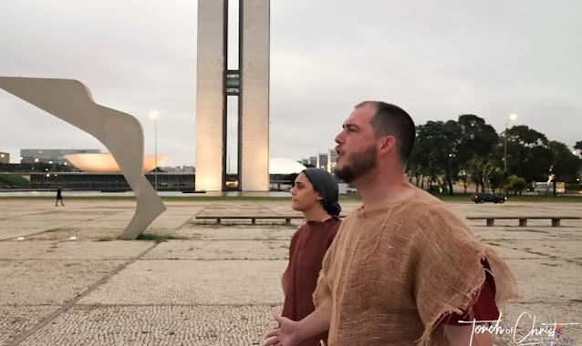 """""""Brasil, é hora de se arrepender e voltar para Jesus"""", diz pregador americano em Brasília"""