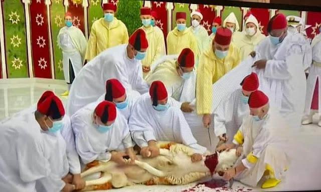 صاحب الجلالة الملك محمد السادس  نصره الله يؤدي صلاة عيد الأضحى بدون خطبة وينحر أضحية العيد