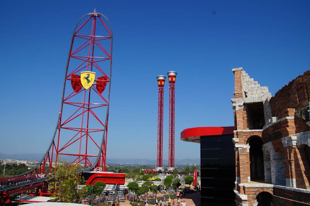 red force y thrills towers en ferrari land