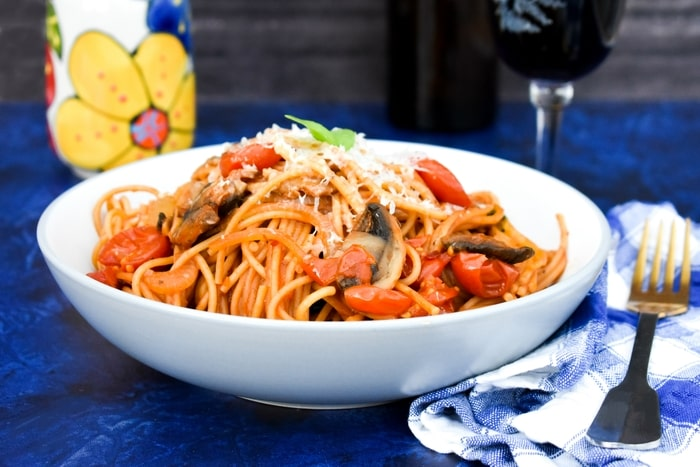 One-Pot Mushroom & Cherry Tomato Spaghetti