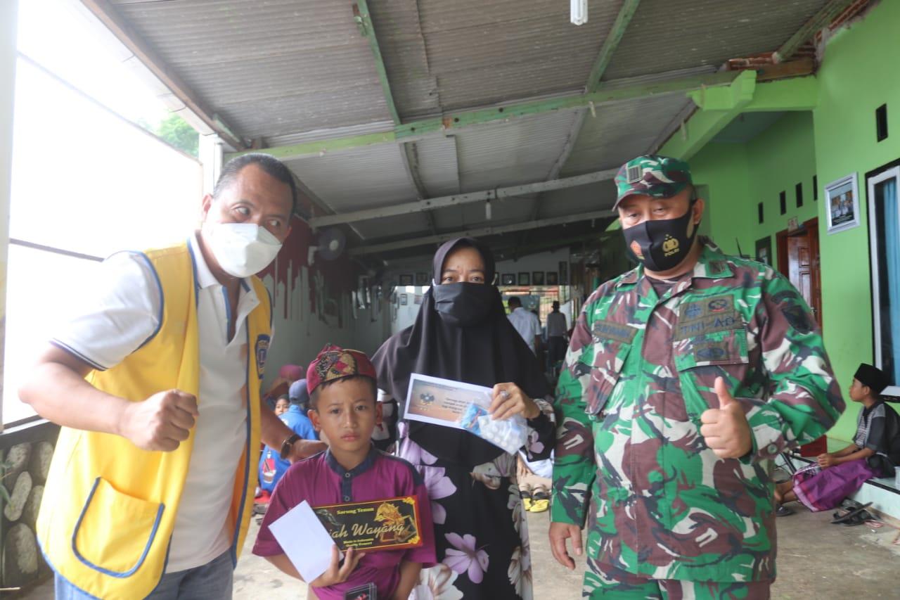 Kodim 0410KBL menggelar kegiatan Bakti Sosial berupa Sunatan Masal yang berlangsung di Pondok Pesantren Alkaromah Bathiniyah
