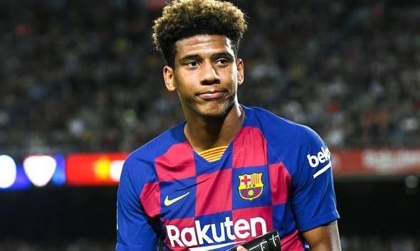 برشلونة يعلن إعارة مدافعه توديبو