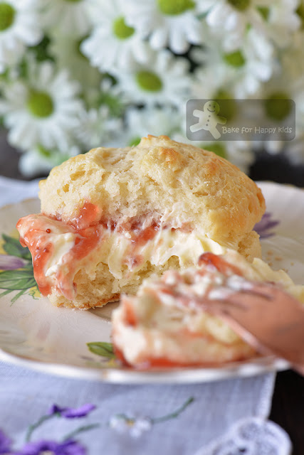 ultimate light and fluffy scones