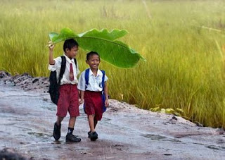 Hindi Poem, Poem for School days, Childhood