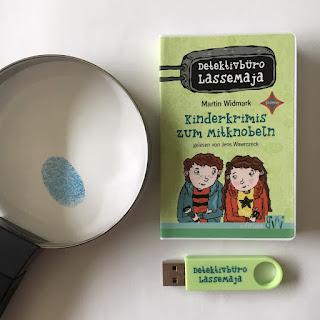 """""""Detektivbüro LasseMaja. Kinderkrimis zum Mitknobeln"""" von Martin Widmark, mobi Hörstick, edition Bücherwege, Rezension von Kinderbuchblog Familienbücherei"""