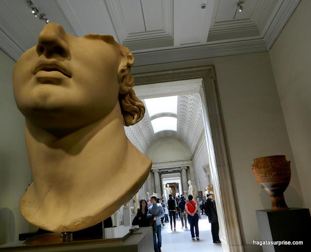 Galeria de arte greco-romana do Museu Metropolitan de Nova York