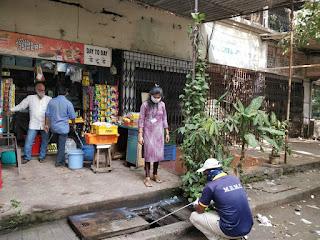 मीरा रोड में दवा का छिड़काव    #NayaSaberaNetwork