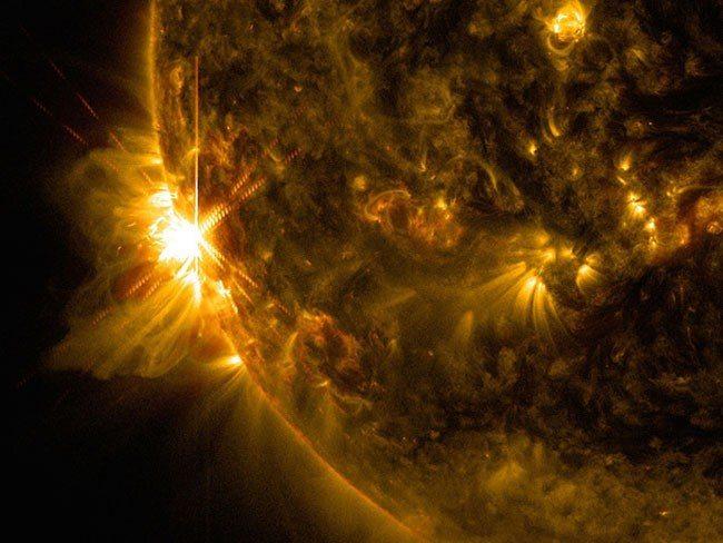 Ινδιάνοι γέροντες της φυλής Ινουίτ προειδοποιούν ότι ο ήλιος άλλαξε θέση και οι πόλοι αντιστρέφονται ήδη. Ανησυχία στη NASA