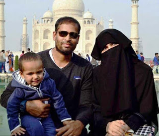 Yusuf Pathan With His Wife And Son