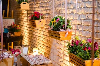 Resultado de imagem para decoração de festa com caixotes