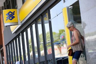 Bancários protestam nesta quinta-feira contra demissões e fechamento de agências do Banco do Brasil na Paraíba e ameaçam entrar em greve