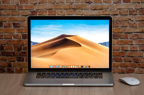 تقرير: نمو شحنات MacBook لتعزيز اعتماد السوق لتقنية Mini-LED