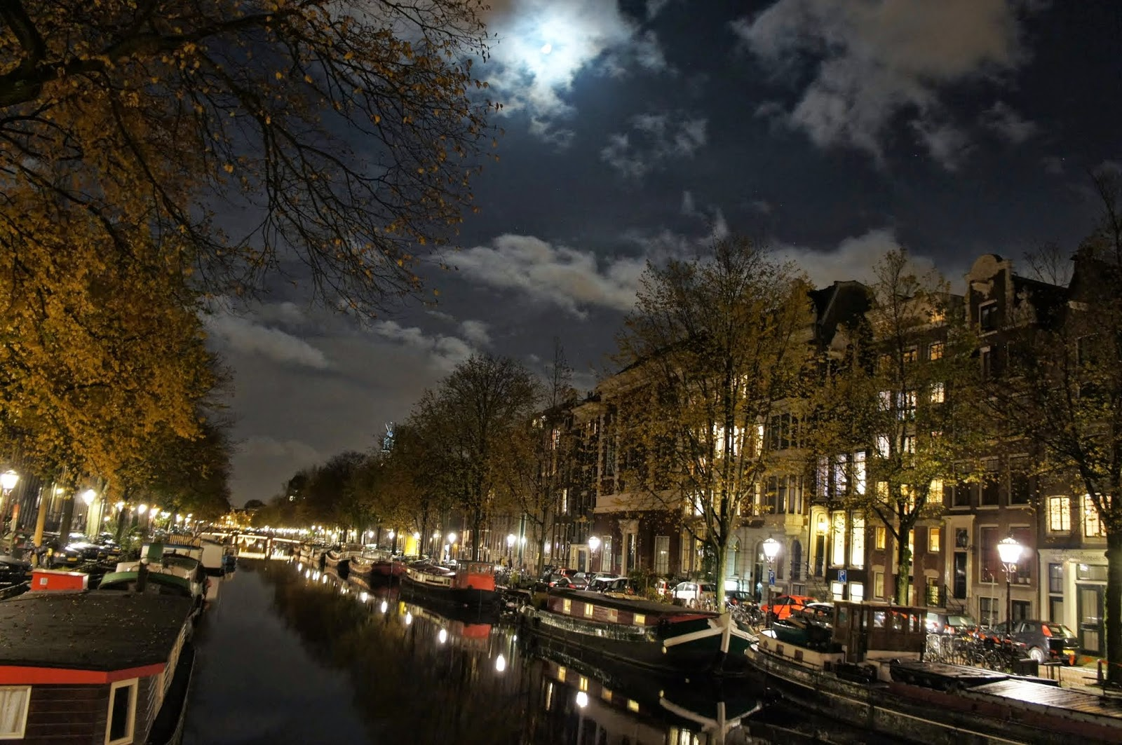 Amsterdam - Night time stroll on our first night