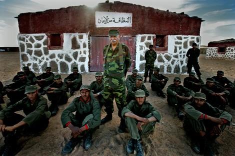 الجيش الجزائري يدرب 'شباب تندوف' على حمل السلاح في الصحراء