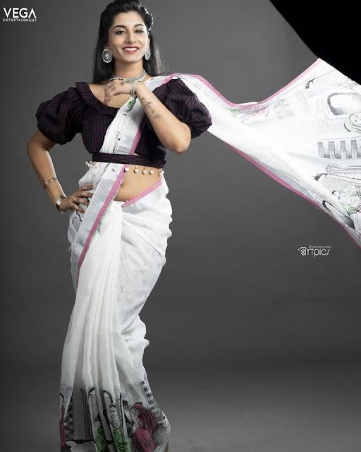 Vishnu priya bhimeneni hot navel show in white saree Actress Trend