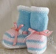 http://www.tejiendoperu.com/dos-agujas/prendas-y-otros-para-beb%C3%A9s/zapatitos-en-varios-colores/