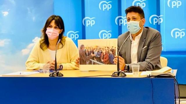 """El PP pide la dimisión de Marzà y Barceló tras el """"caos"""" de vacunación de docentes con AstraZeneca"""