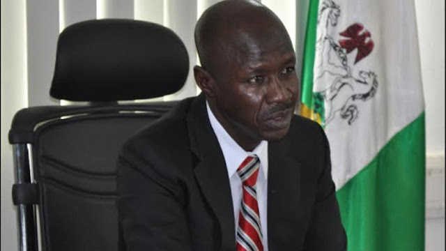 EFCC speaks on N900m allegedly turning into papers in its custody