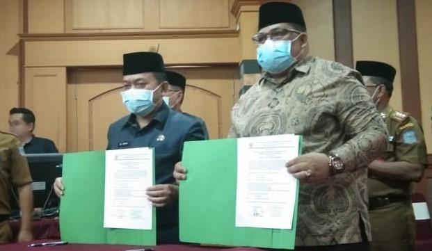 Bupati Merangin H.Al Haris dan Wabup Mashuri di Dampingi Ketua DPRD H.Hernan Effendi Terima WTP dari BPK-RI