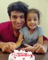 Pratik gandhi with his doughter Miraya