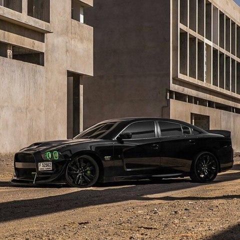 Dodge Charger SRT8 001