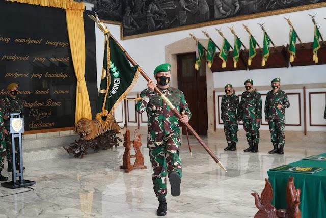 Tongkat Komando Korem 061/SK Diserahterimakan  Kepada Kolonel Inf Achmad Fauzi, S.I.P., M.M