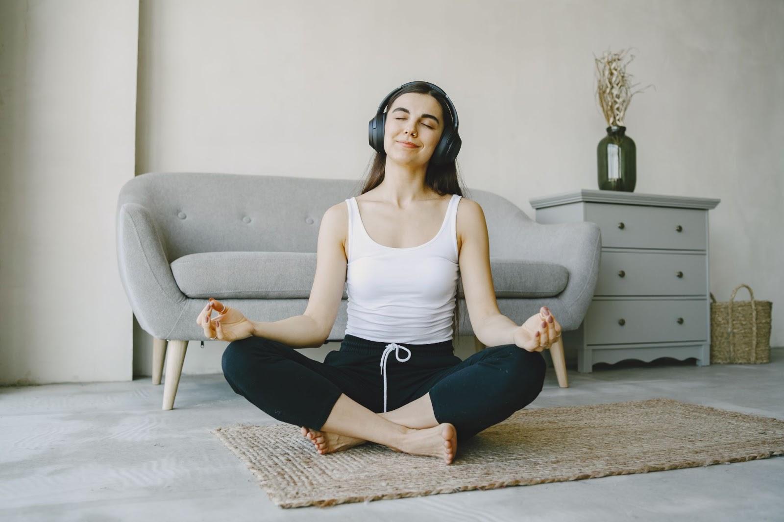 Nhạc thư giãn làm tăng khả năng tập trung khi thiền hay tập yoga