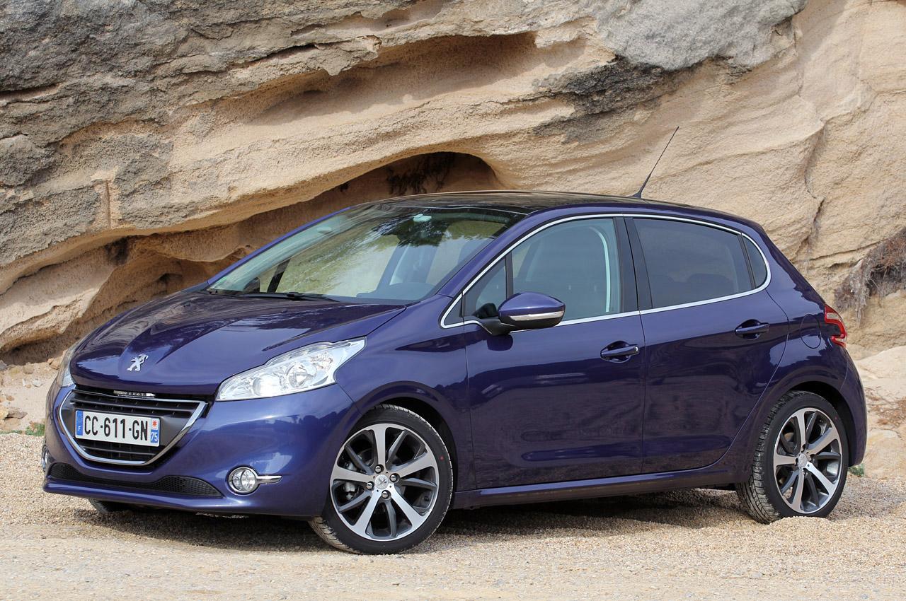 Fotos e Informaes de Carros: Peugeot 208