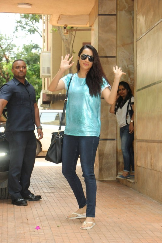 Shraddha Kapoor Spotted at Dir Apoorva Lakhia House