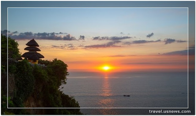 Uluwatu Temple - Top 7 Best Places to Travel in Bali, Indonesia at Least Once