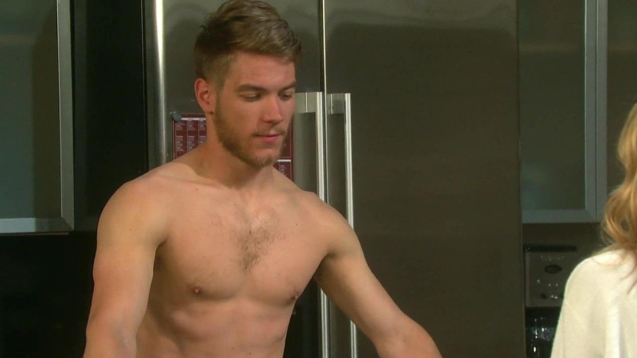 foto de ausCAPS: Lucas Adams shirtless in Days Of Our Lives