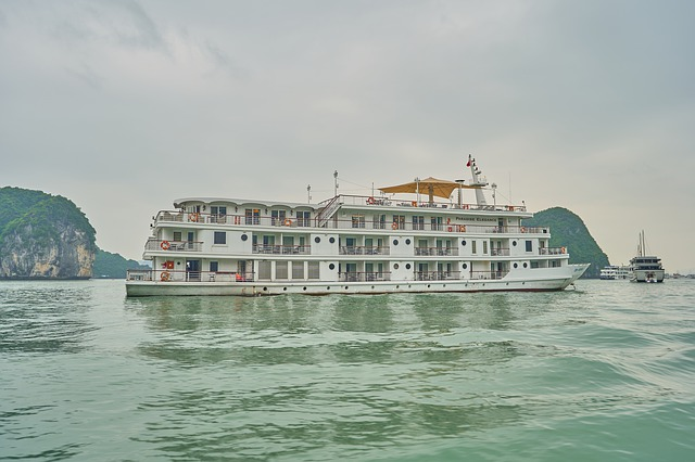 Cruise Ride, Cruise Ride Halong Bay, Cruise Ship, Cruise Ship Halong Bay,