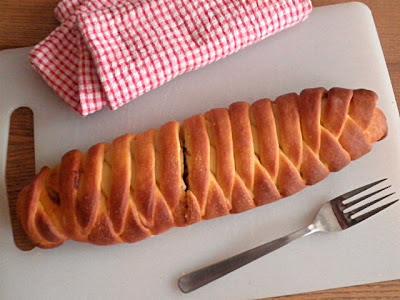 Braided Tuna Bread Recipe @ treatntrick.blogspot.com
