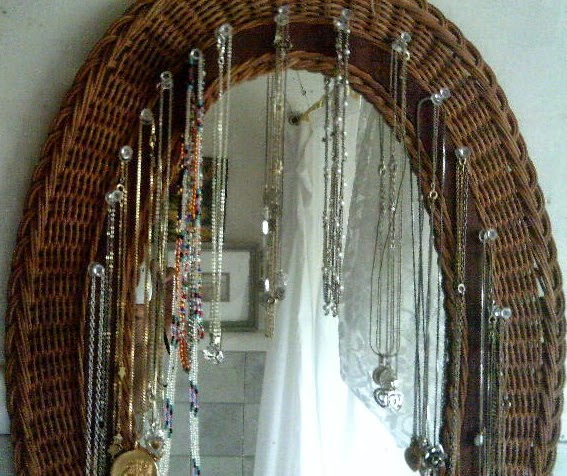 Thomasina S Words Easy Diy Framed Mirror Necklace Holder