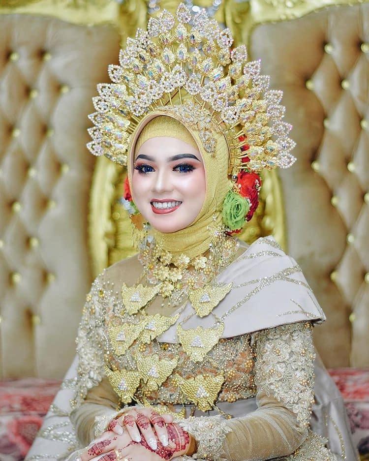 rias pengantin kebaya hijab 2021