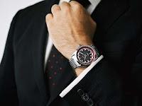 4 Etika - Aturan Tidak Tertulis Bagi Pria Dalam Menggunakan Jam Tangan