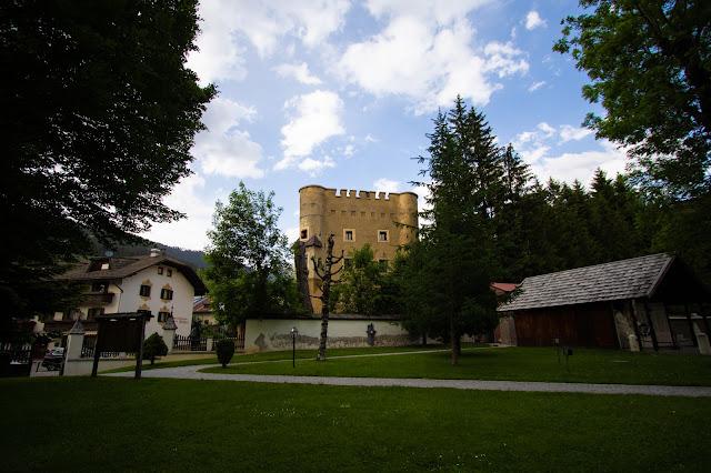 Castel Herbstenburg-Dobbiaco