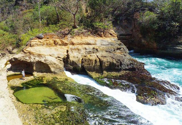 Pantai Kali Pucung