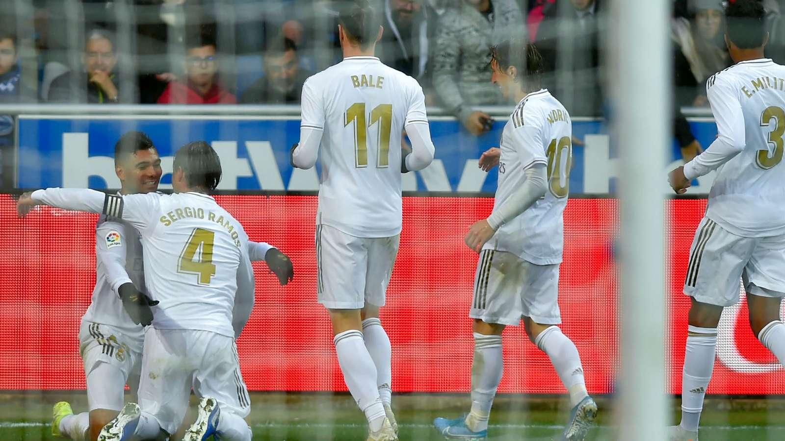 Real Madrid survive Alaves trap and top la Liga