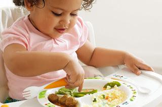 Makanan sehat buah sih kecil sebelum usia 1 tahun