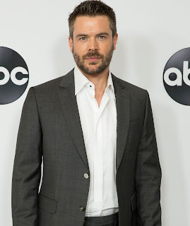 Picture of Charlie Weber