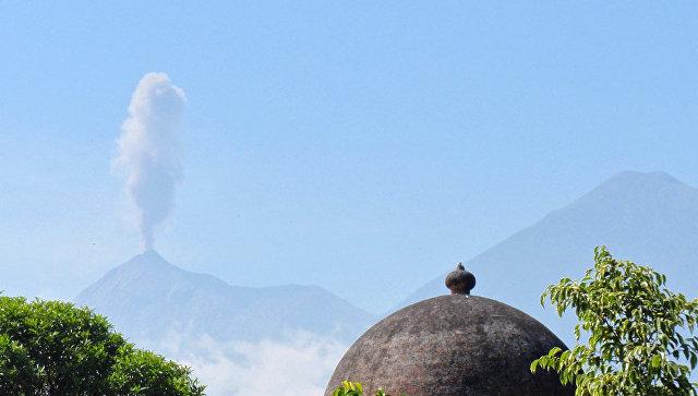 В Гватемале группа туристов погибла на вулкане от холода